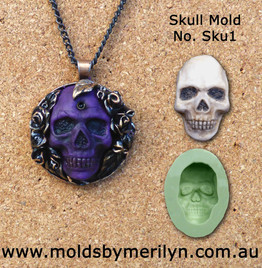 skull pendant with roses