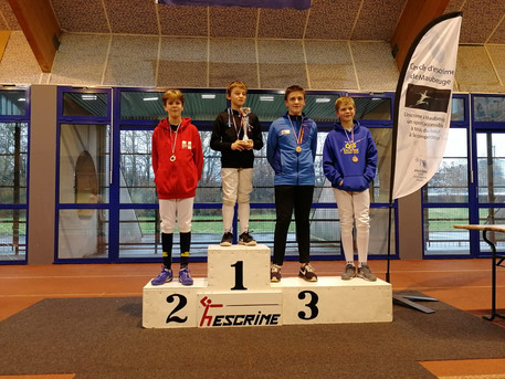 Cador wins silver at Hauts-De-France Open Epee competition!