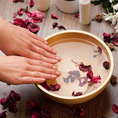 Allure Coromandel deluxe spa manicure.jp