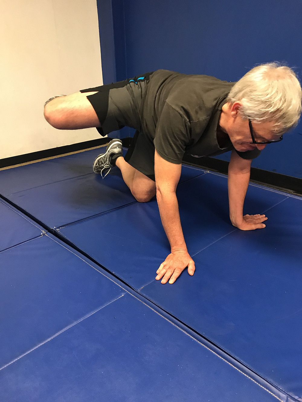 Man demonstrated hip openers