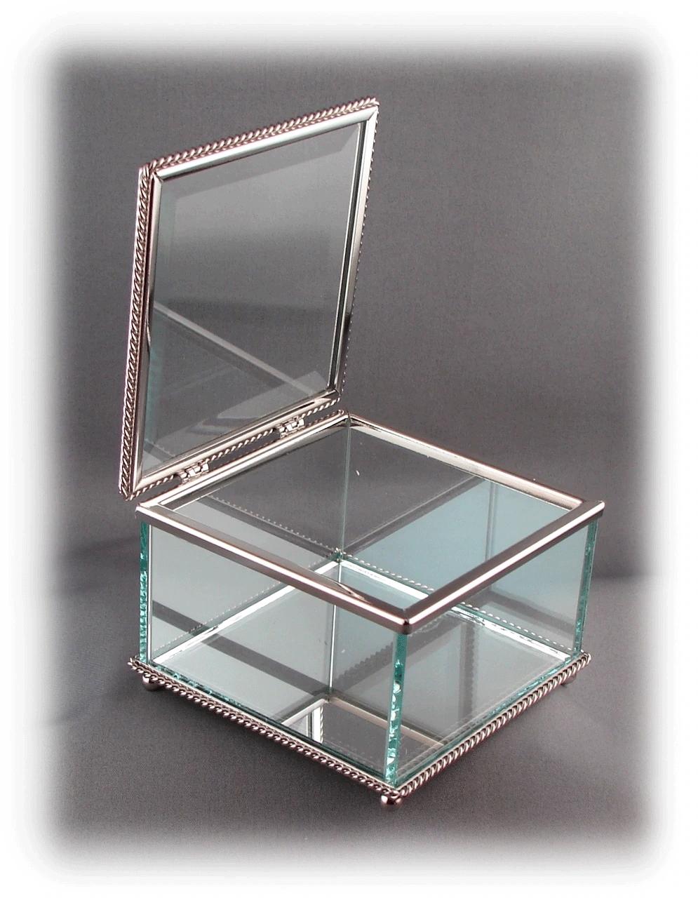 SquareGlassBox