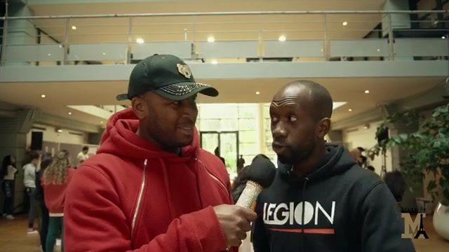 Battle citoyen des jeunes de la ville d'Argenteuil prennent le hall de l'hôtel de ville et partage un moment urbain ! Il en faudrais plus de ville comme ça ...