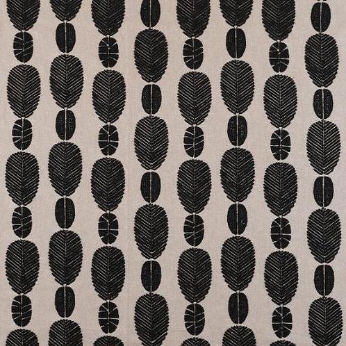Monochrome | Majani Usiku
