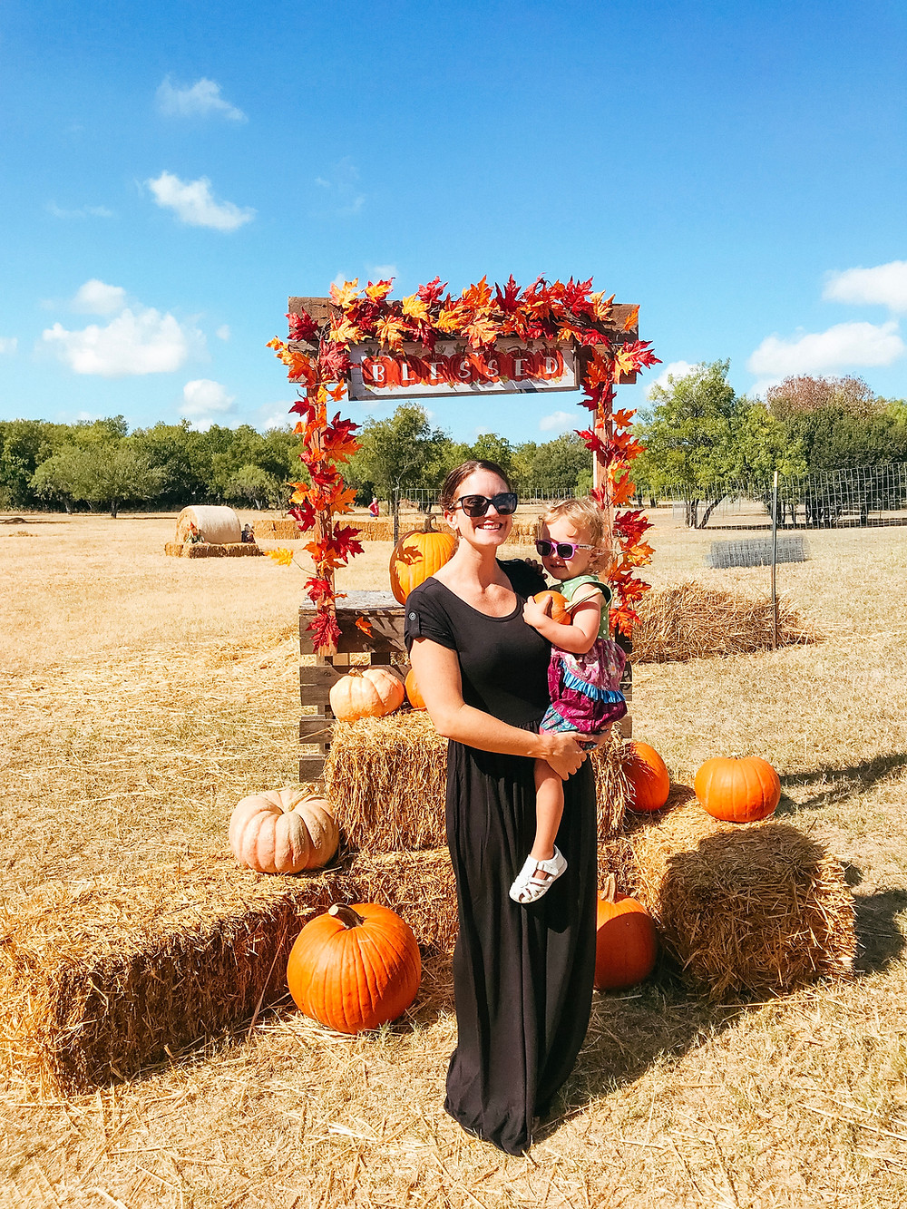 Mom and daughter at SATX pumpkin patch in Matilda Jane