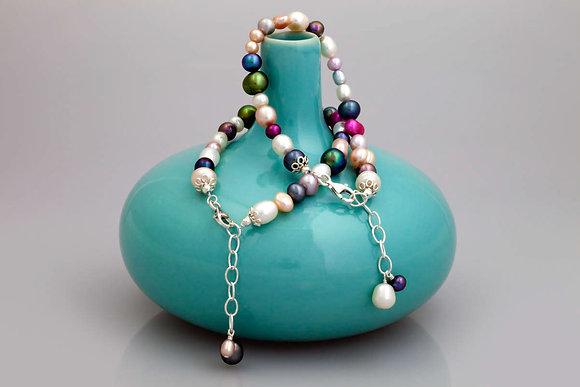 Calico pearl bracelet