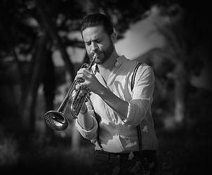 Het uitvoeren van trompettist