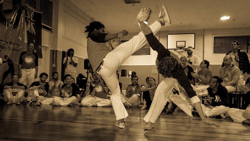 Ungu Capoeira Roda