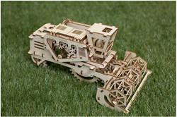Model Combine Ugears 15