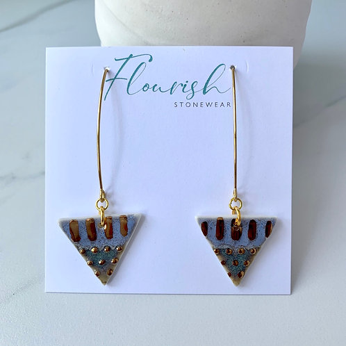 Violet triangles with gold