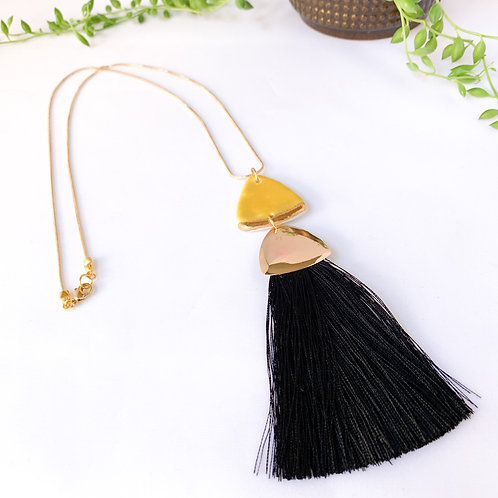 Curry Yellow and Black Tassel Gold Necklace