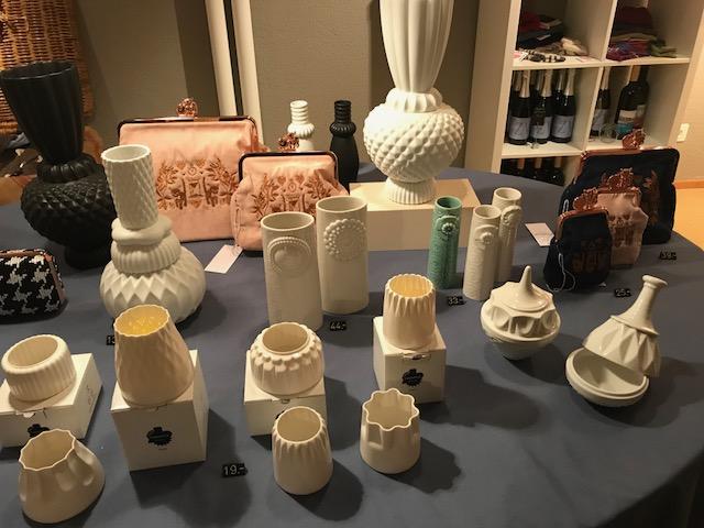 Vasen und Windlichter