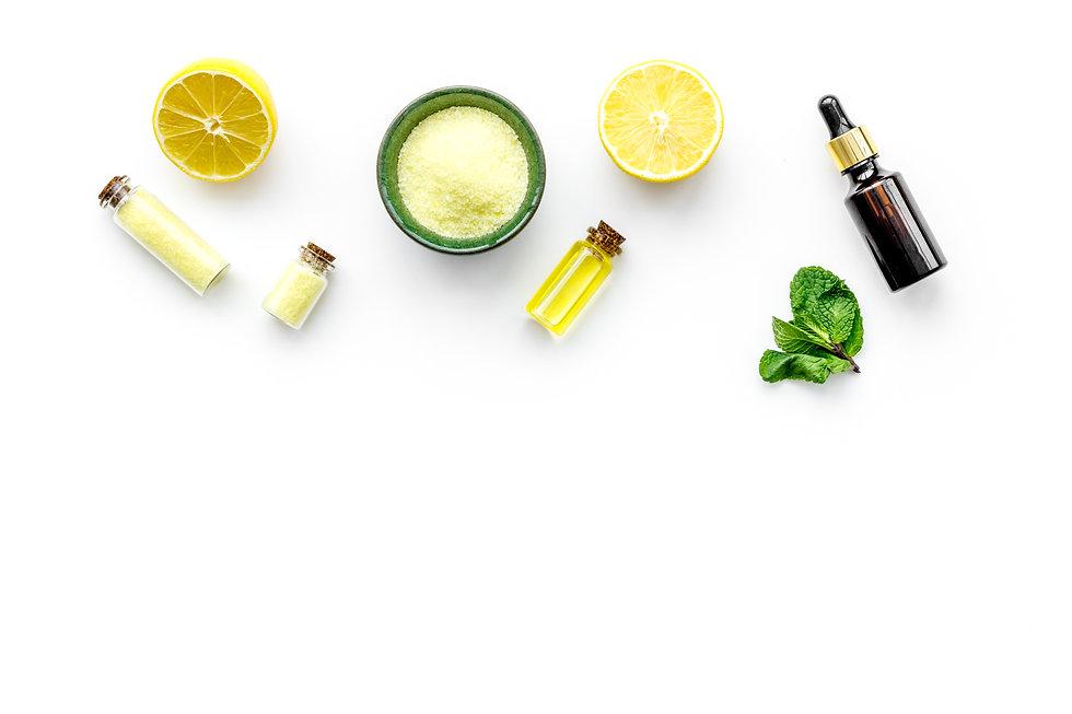 Natural organic cosmetics with lemon. Le