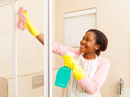 What's the Secret to Cleaning Glass Shower Doors?