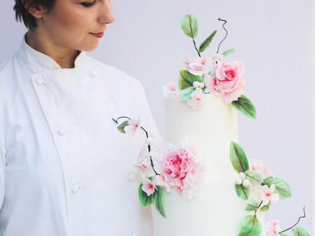 How do I choose a cake designer?