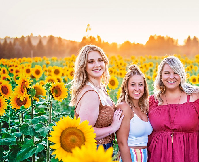 Northside%2520Salon%2520Sunflower%2520Field-Images-0003_edited_edited.jpg
