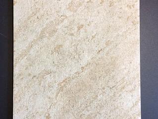 Piastrelle in gres porcellanato tipo slate beige
