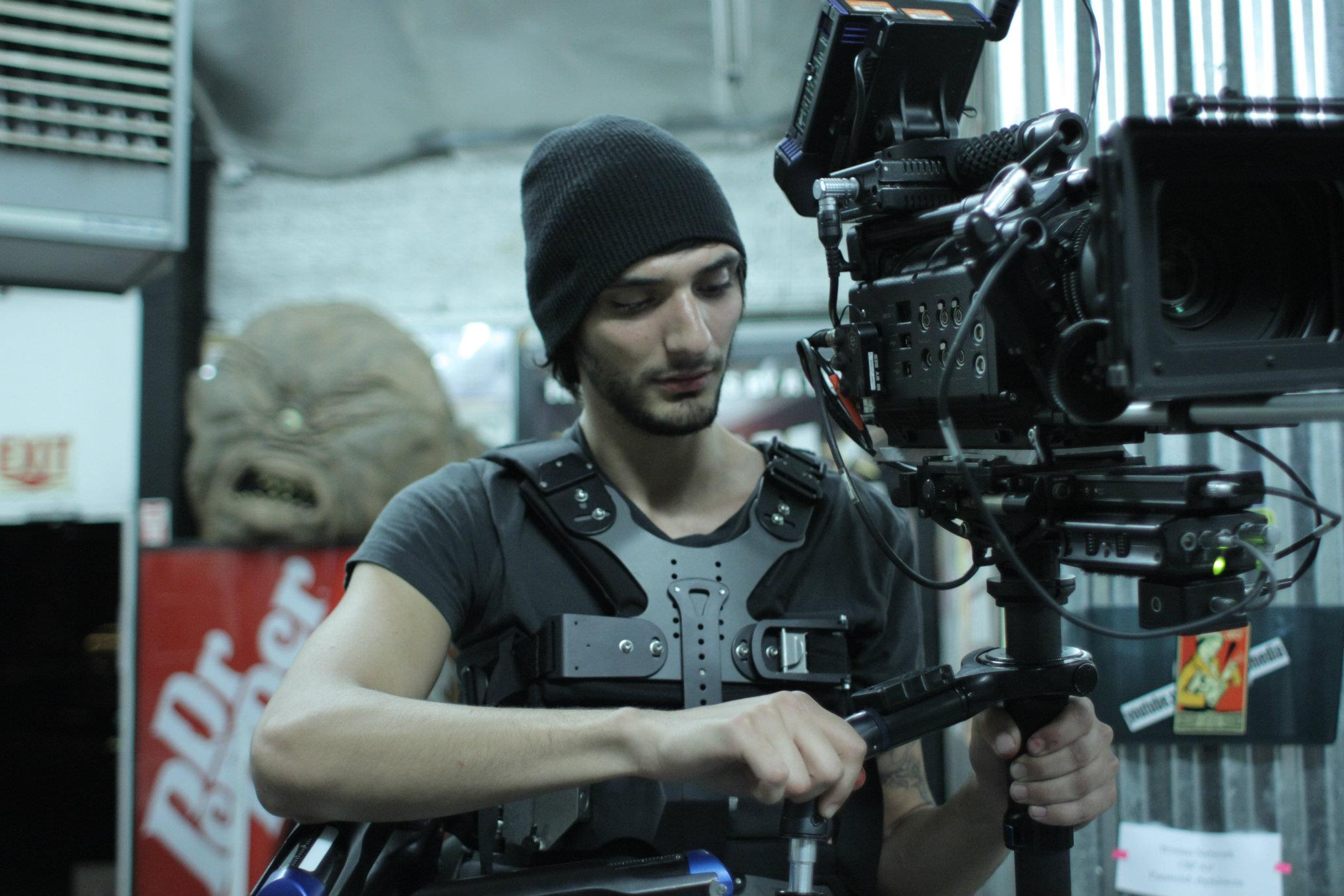 Thomas Della Bella on set.