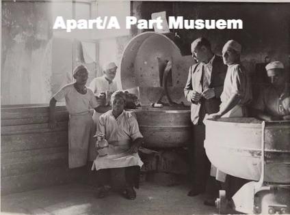 Apar t/ A Part