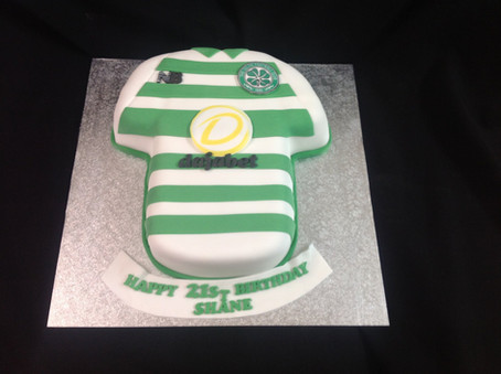 a sports shirt birthday cake for a 21st birthday
