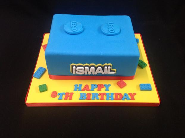 a lego inspired 8th birthday cake