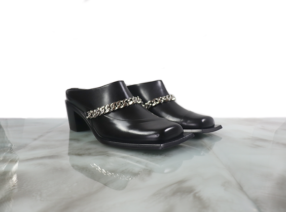 Lonel heeled square toe mule with chainlink
