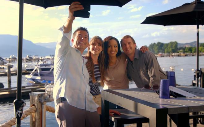 Friends taking a Selfie Okanagan Lake Pa