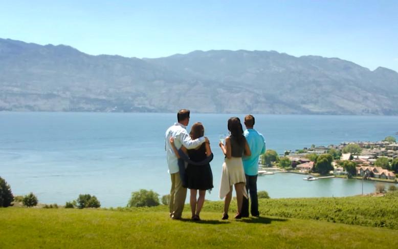 Couples Enjoy the View Of Okanagan Lake.