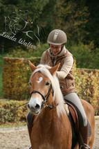 Linda mit Pferd