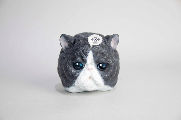 Cat Candle-Persian Cat Candle - black and white