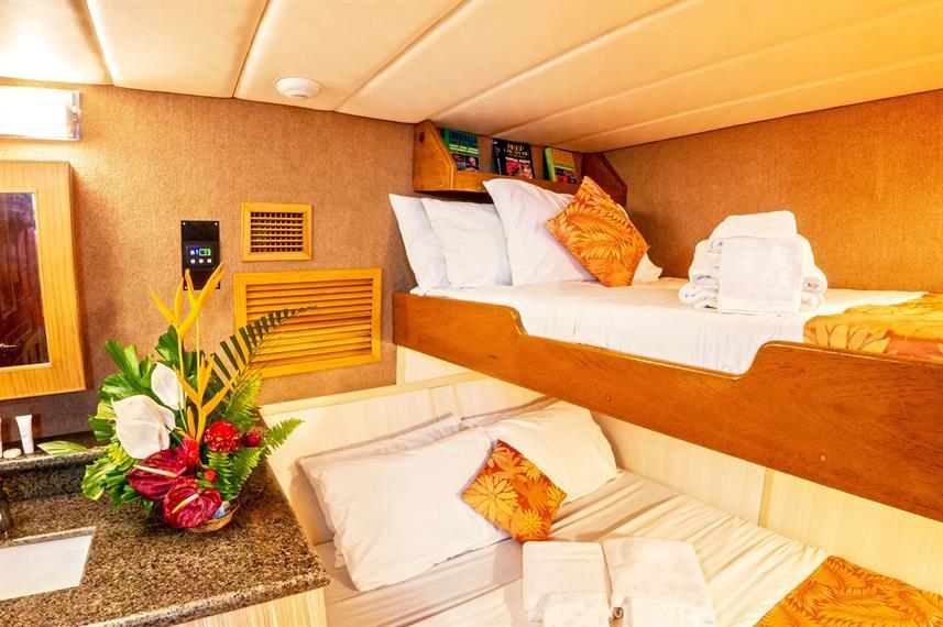 atlantis_azores_deluxe_cabin_layoutw857h