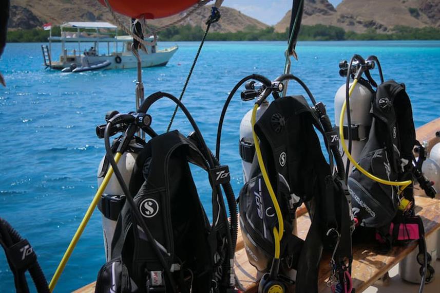 diving-equipmentw857h570crwidth857crheig