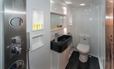 upper_deck-bathroomw857h570crwidth857crh