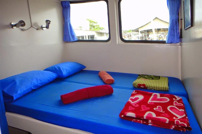 main-deck-blue-ocean-standard-double-cab