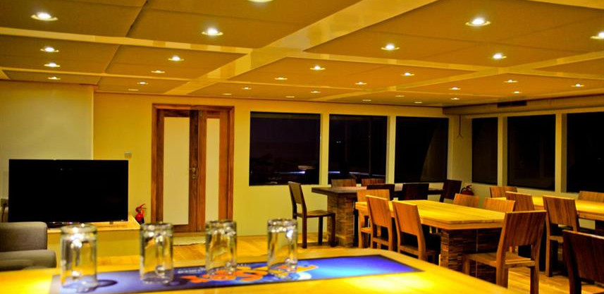 adora-liveaboard-maldives-salonw857h570c