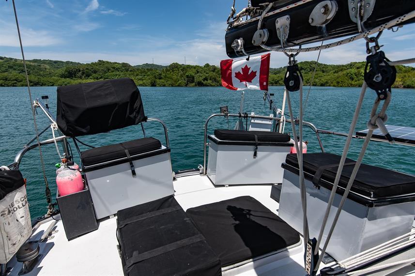 aft-deck-seatingw857h570crwidth857crheig