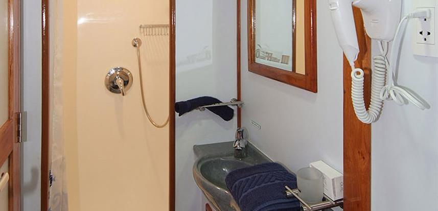 oh-iii-bathrooms-1w857h570crwidth857crhe