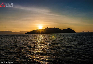 la-galigo-liveaboard-komodo-sunsetw857h5