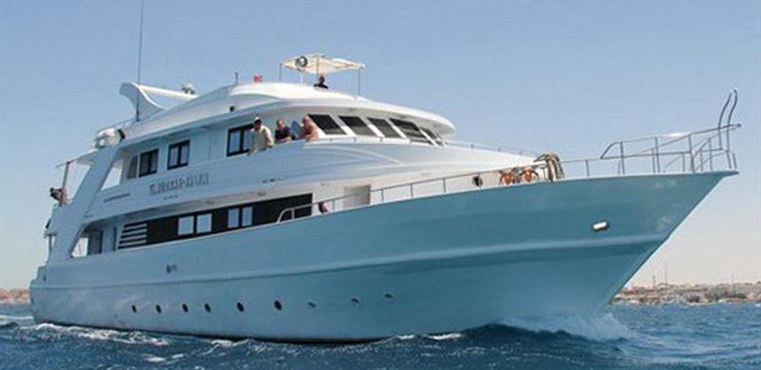 al_far_boat_1---copyw857h570crwidth857cr