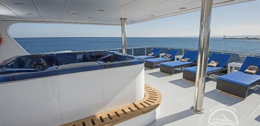 maldives-yacht12w857h570crwidth857crheig