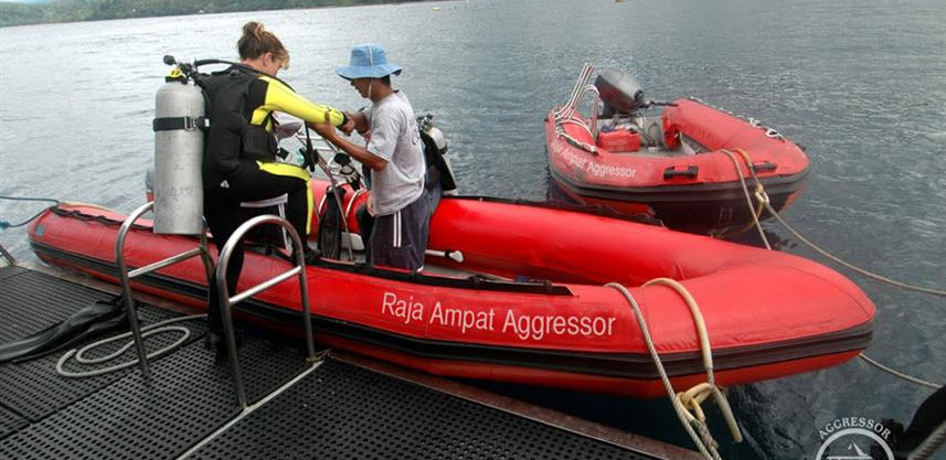 raja-yacht38w857h570crwidth857crheight57
