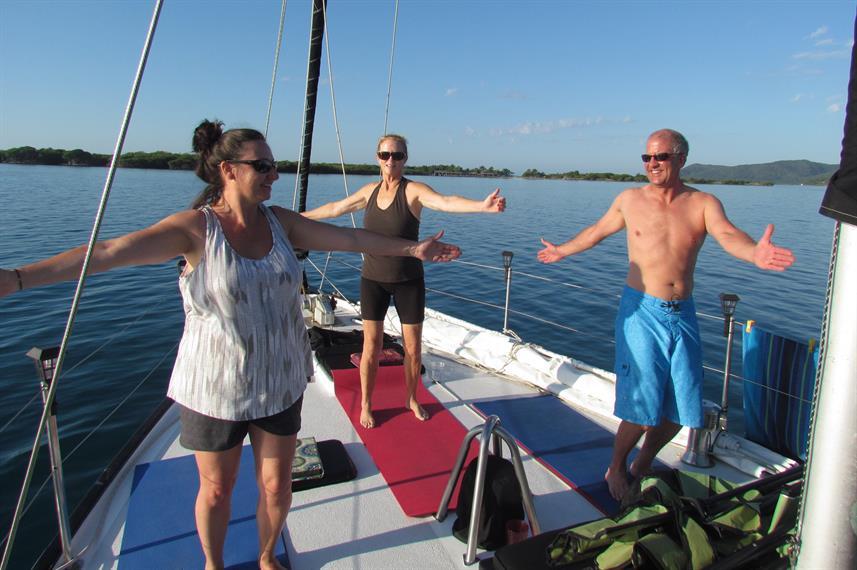 yoga-on-deckw857h570crwidth857crheight57
