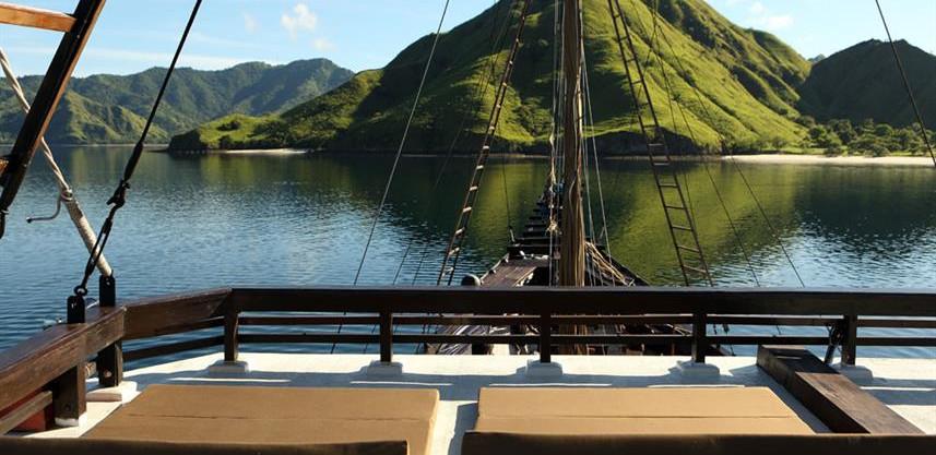 alila-purnama-the-deck-10w857h570crwidth