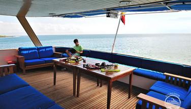 galapagos-yacht1w857h570crwidth857crheig
