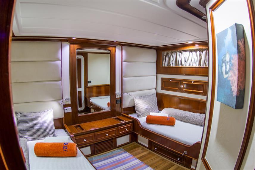 twin-cabin-1w857h570crwidth857crheight57
