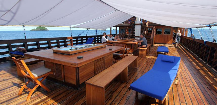 amira-main-deck-coveredw857h570crwidth85