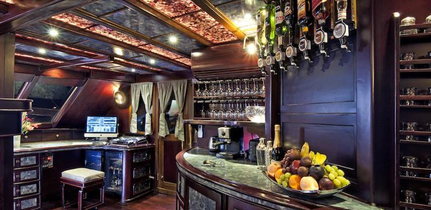 18_Lounge_Bar_BOKw857h570crwidth857crhei