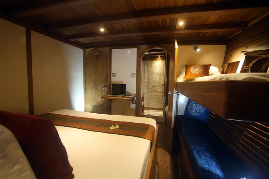 cabin-and-bathroomw857h570crwidth857crhe