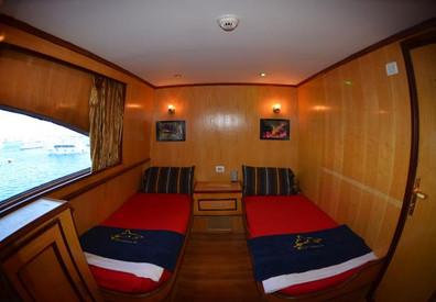 cabins2w857h570crwidth857crheight570.jpg