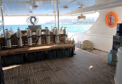 10soul-dive-deck-300w857h570crwidth857cr