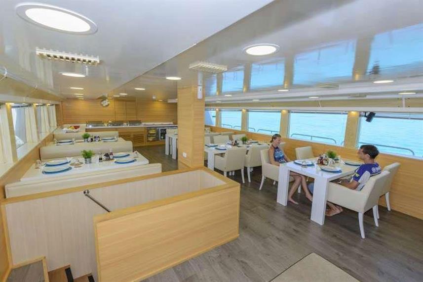 dining-2w857h570crwidth857crheight570.jp